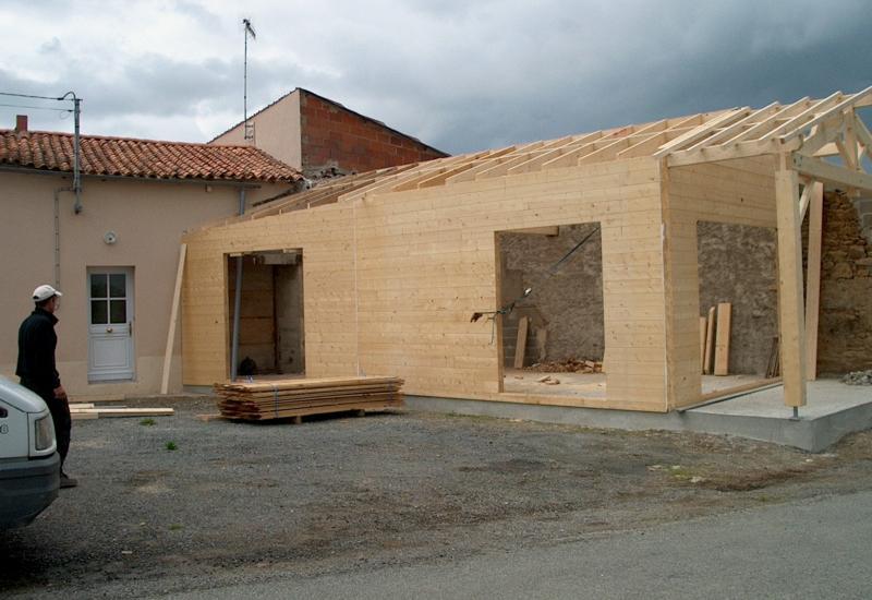 Bois massif onillon charpente bois et m tallique for Extension maison 79